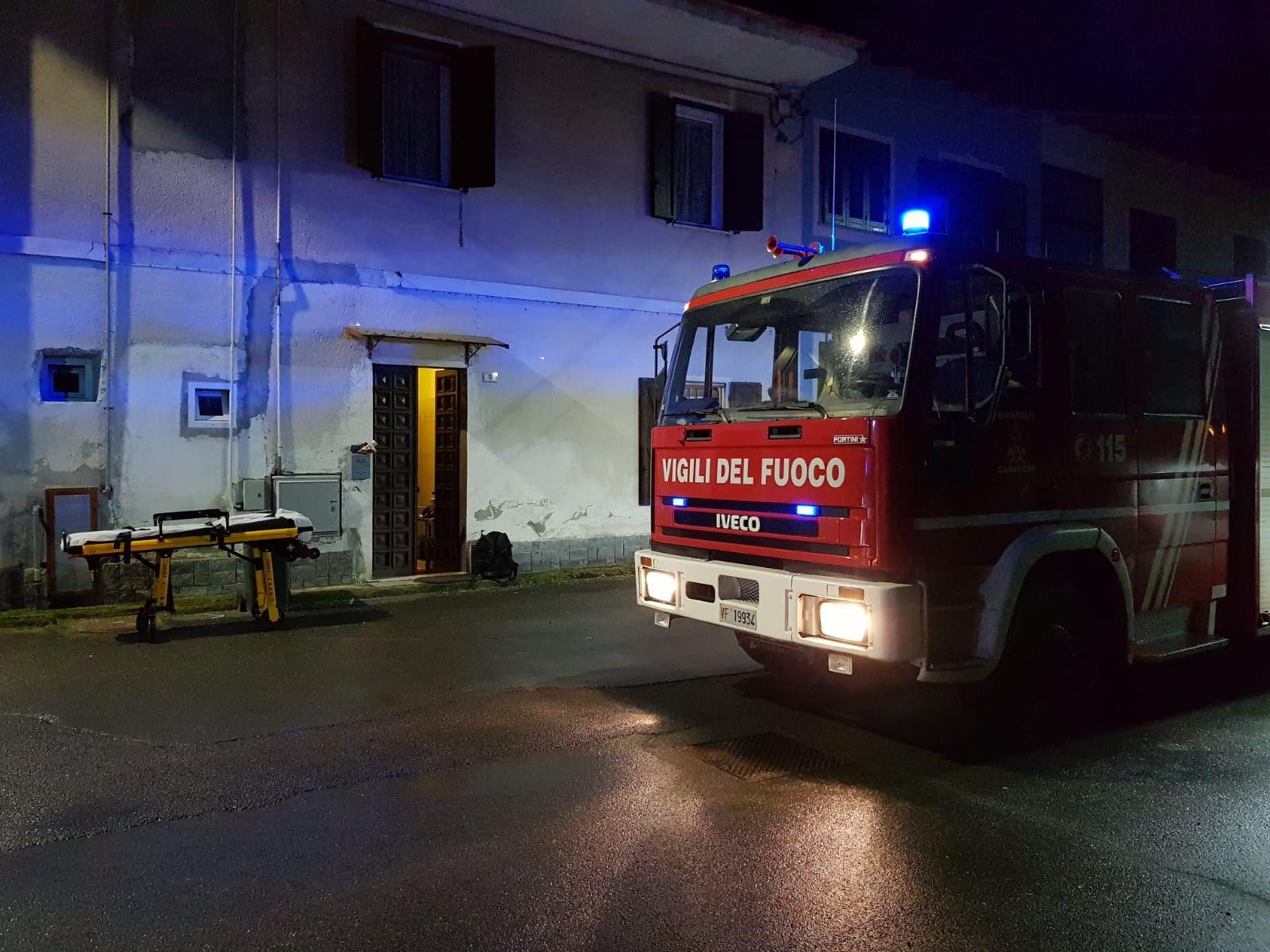 BOSCONERO - Cade in casa, soccorso dai vigili del fuoco - VIDEO