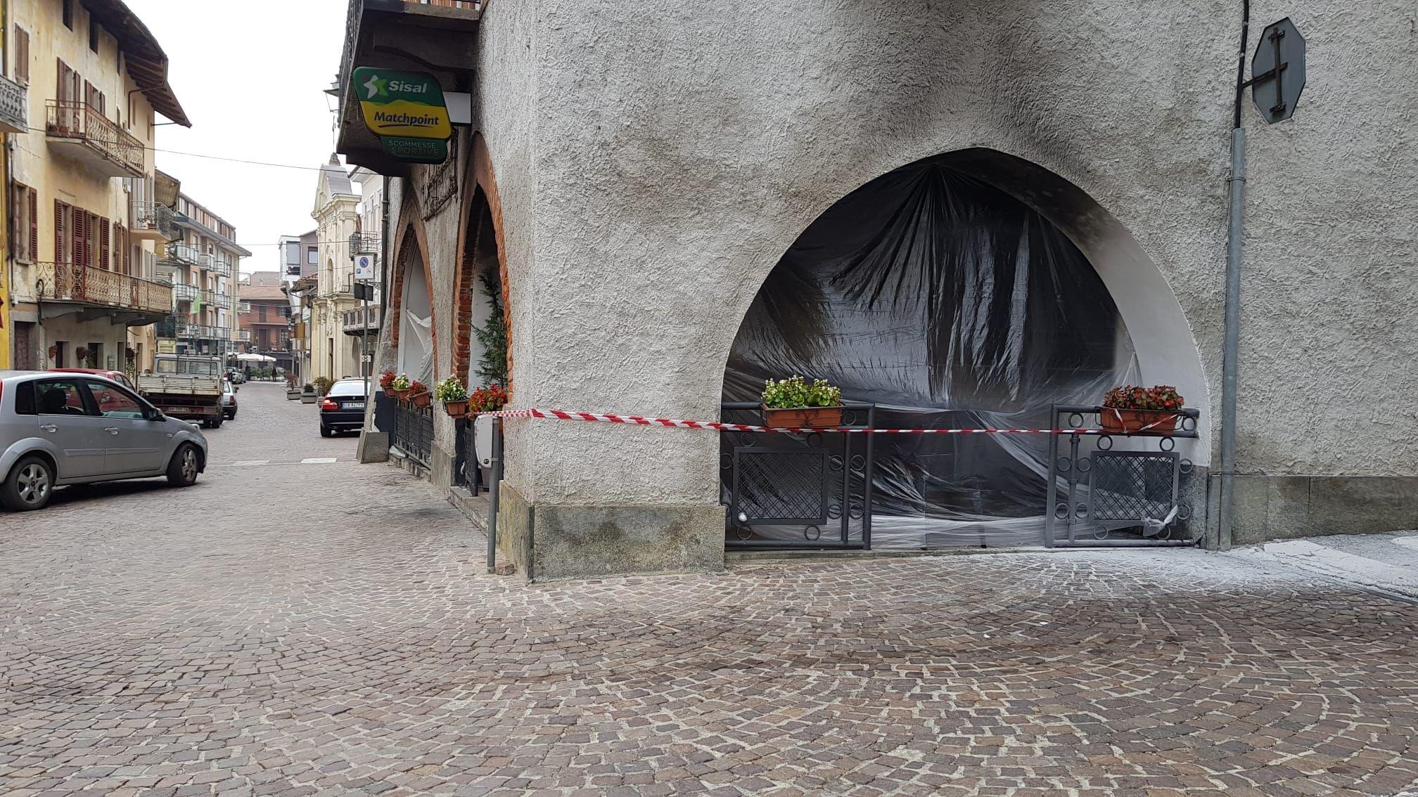 SAN GIORGIO - Incendio devasta il dehors del «Caffè del centro»
