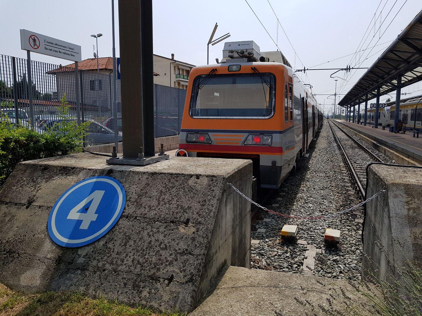 MALTEMPO - Treni della Sfm1 bloccati tra San Benigno e Bosconero