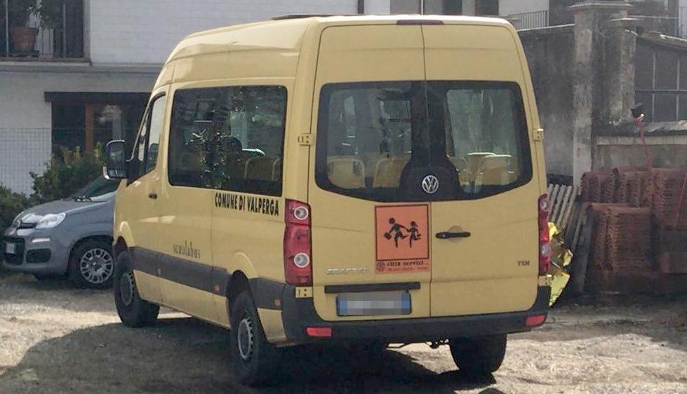 VALPERGA - Ubriaco al volante dello scuolabus: autista denunciato dai carabinieri per guida in stato di ebbrezza