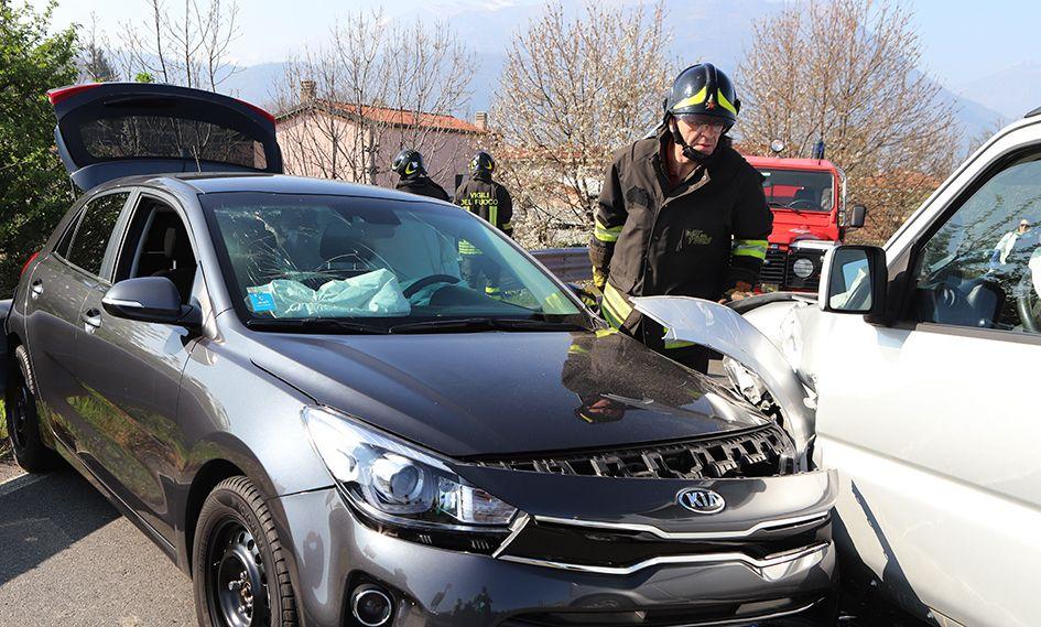 SALERANO - Incidente stradale sul ponte della A5: due feriti - FOTO