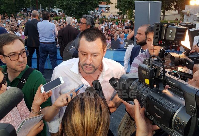IVREA - Il vescovo Bettazzi contro Salvini: «Pregheremo per lui»