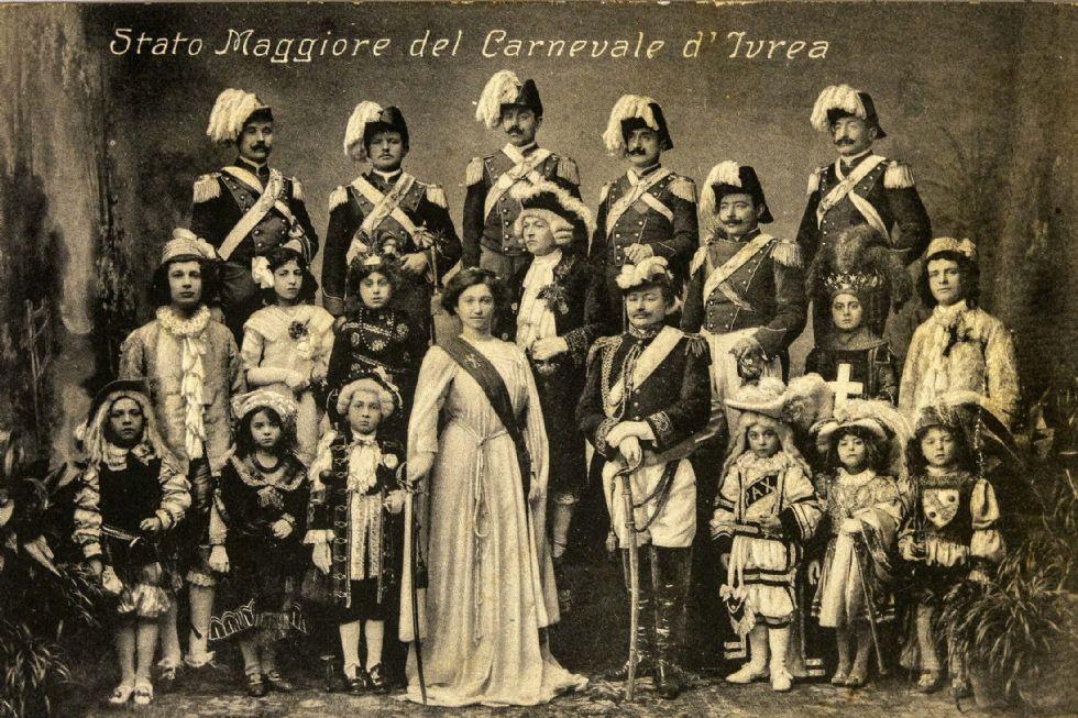 IVREA - Lo Storico Carnevale diventa una mostra nella biblioteca della Regione Piemonte - FOTO