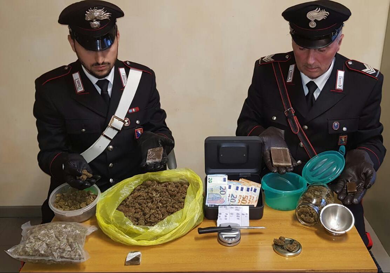 IVREA - Un chilo di droga in casa: 32enne di Scarmagno arrestato