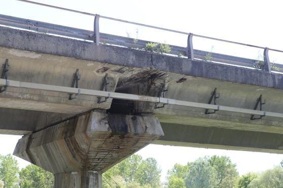 IVREA - Il terzo ponte si sbriciola: interpellanza in consiglio comunale