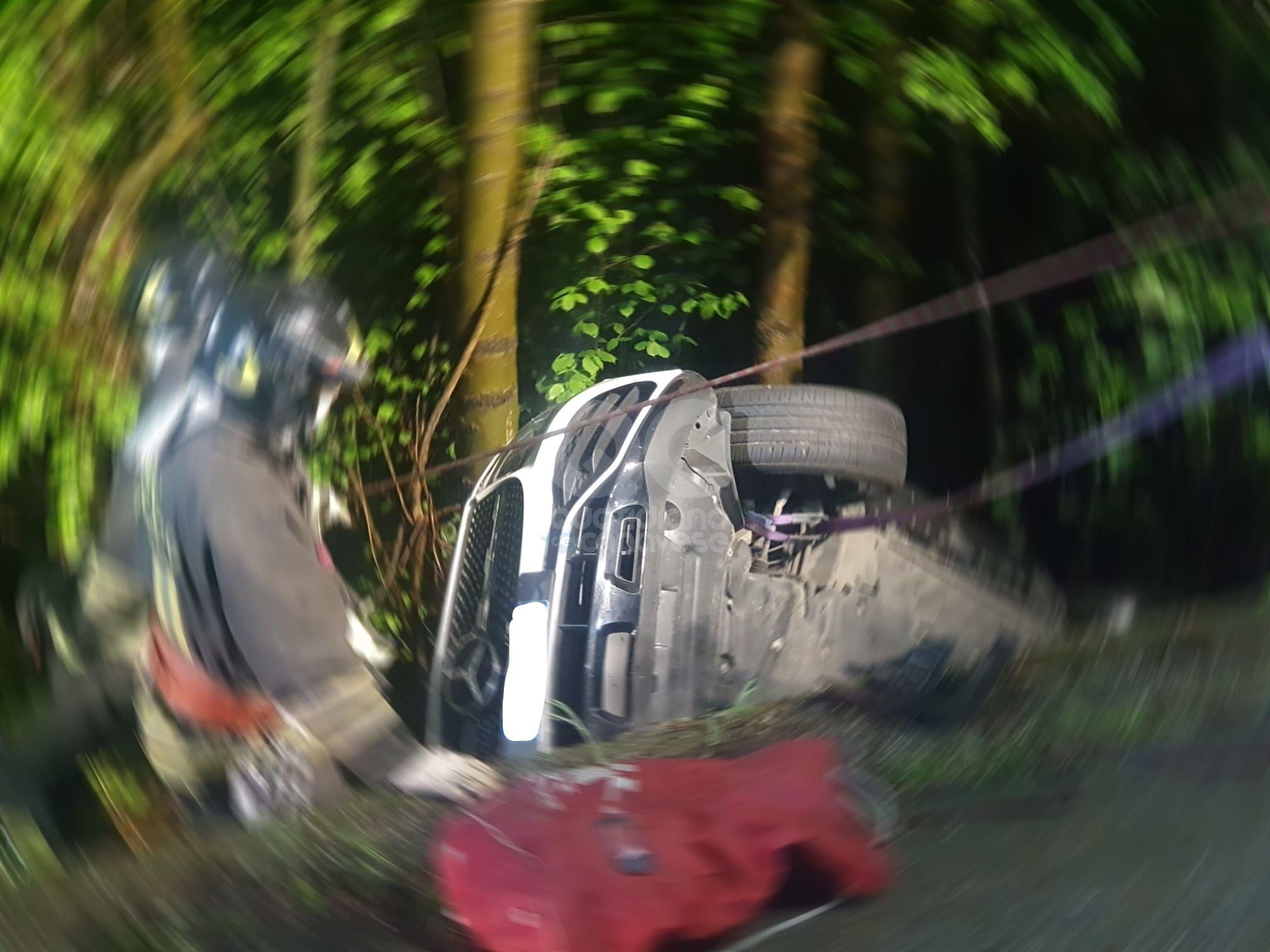 FORNO CANAVESE - Incidente stradale nella notte, intervento dei vigili del fuoco