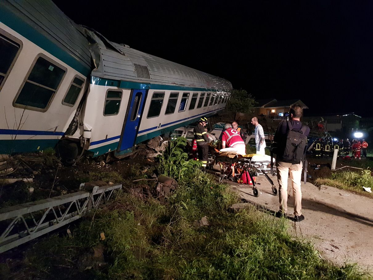 DISASTRO FERROVIARIO A CALUSO - La linea Chivasso-Ivrea bloccata: si viaggia solo sui bus - VIDEO