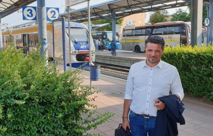CANAVESANA - Ispezione a sorpresa di Mauro Fava sui treni della Gtt