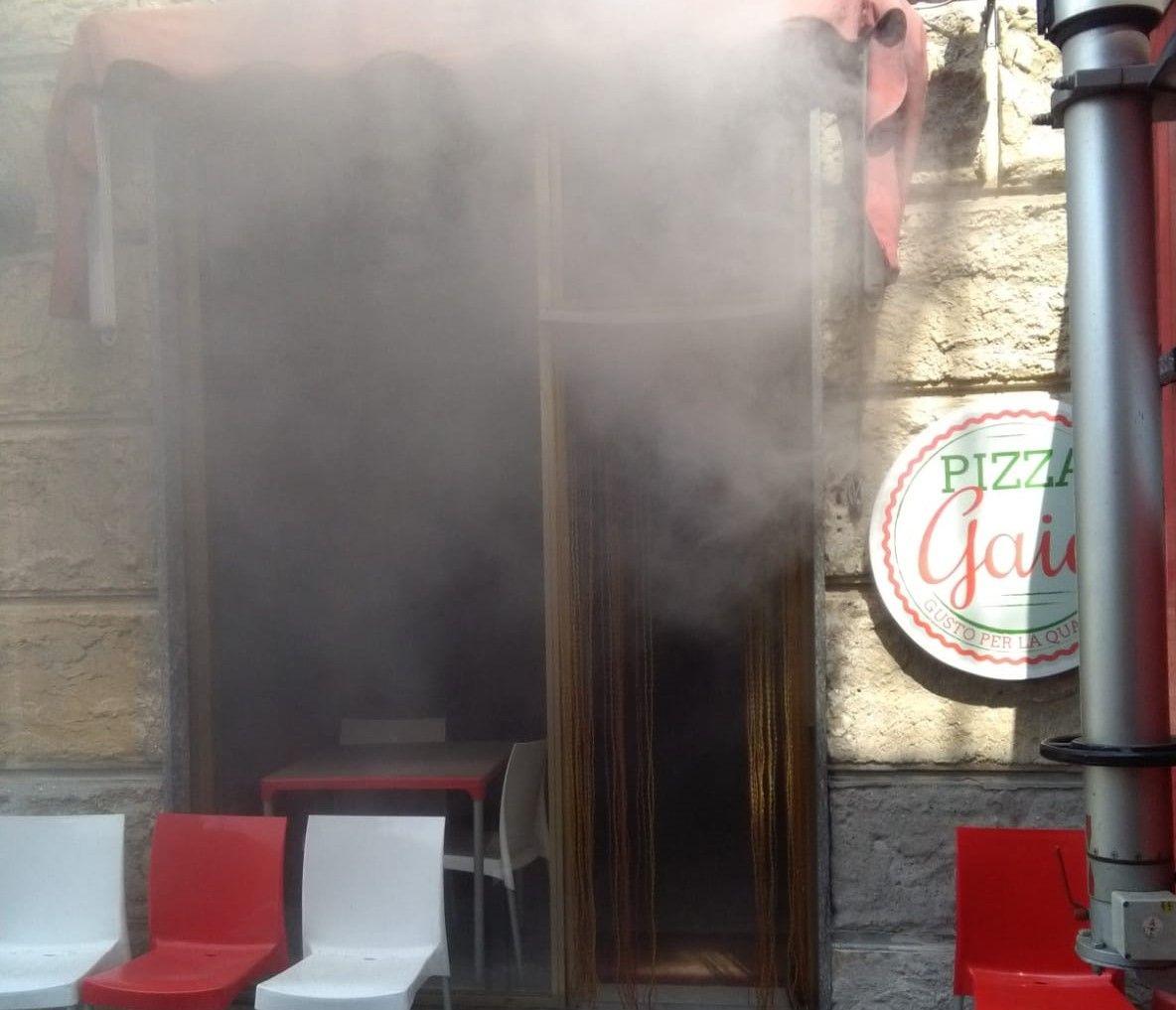 CASTELLAMONTE - Incendio in pizzeria, intervento dei pompieri