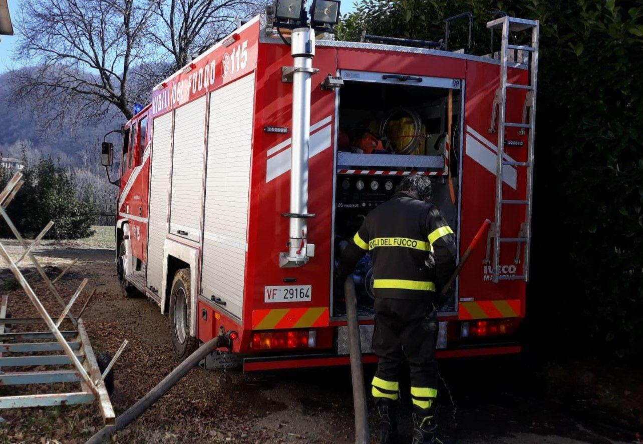 VOLPIANO - Incendio devasta un alloggio: due persone intossicate nel tentativo di spegnere le fiamme