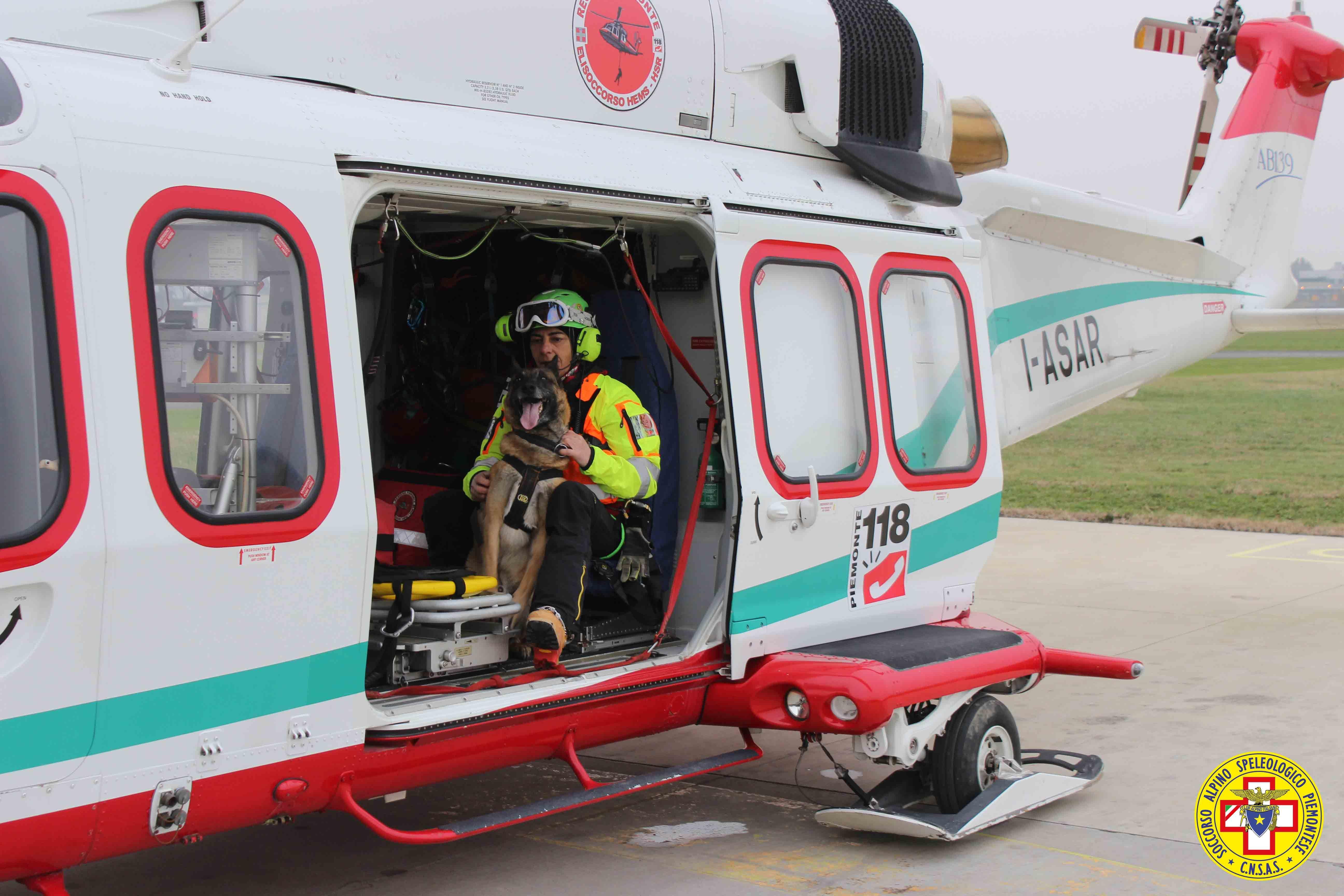 MONTAGNA - Le unità cinofile del Soccorso Alpino sugli elicotteri del 118