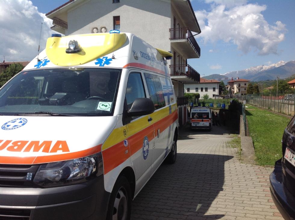 CASTELLAMONTE - Cade dal balcone di casa: insegnante di 54 anni gravissima - VIDEO