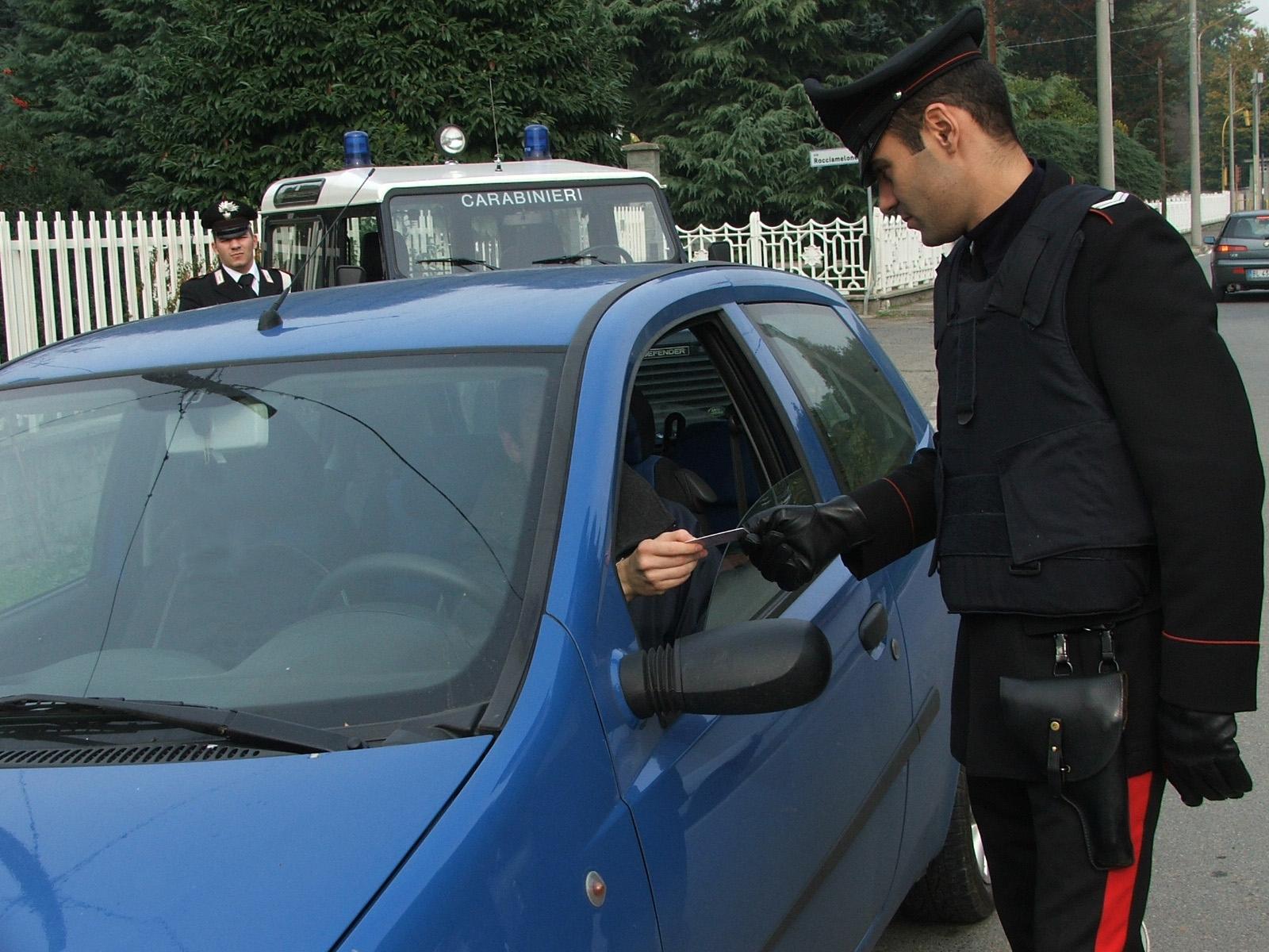 CHIVASSO - Finti furti d'auto: i carabinieri denunciano meccanico