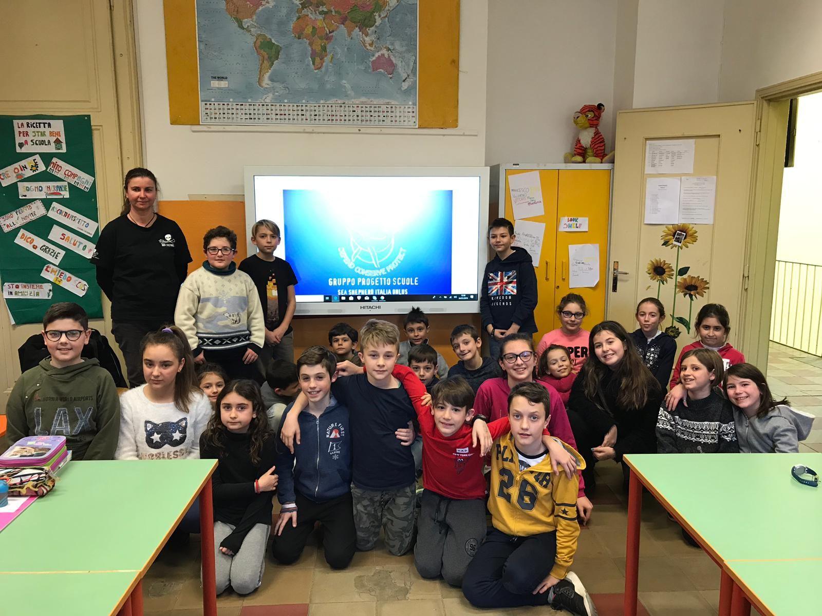 CUORGNE' - «Sea Shepherd» in classe con gli alunni della scuola Primaria di Priacco