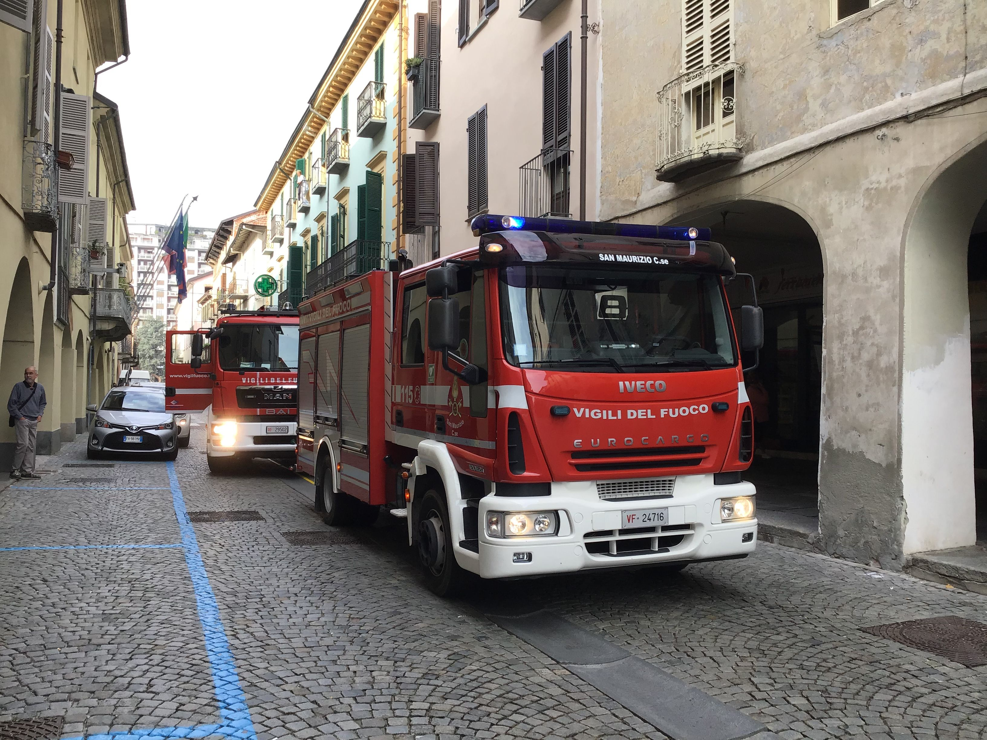 RIVAROLO - Allarme incendio in un alloggio vicino al municipio - FOTO