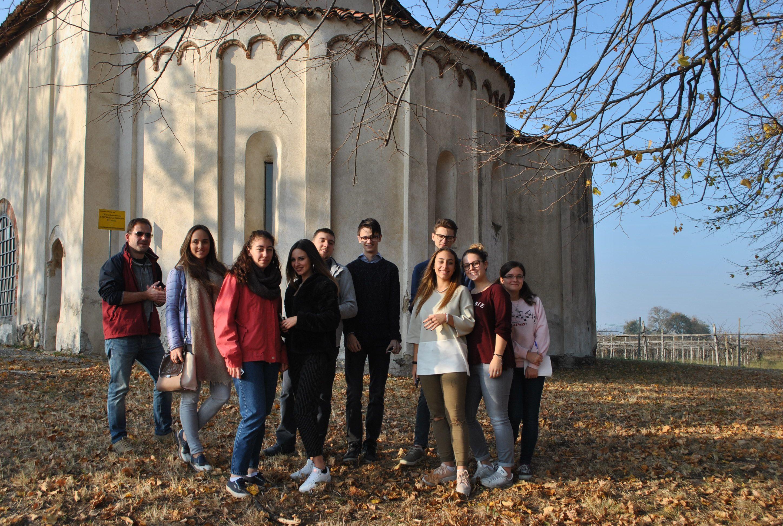 IVREA - Gli studenti del liceo Carlo Botta ciceroni a Borgo d'Ale