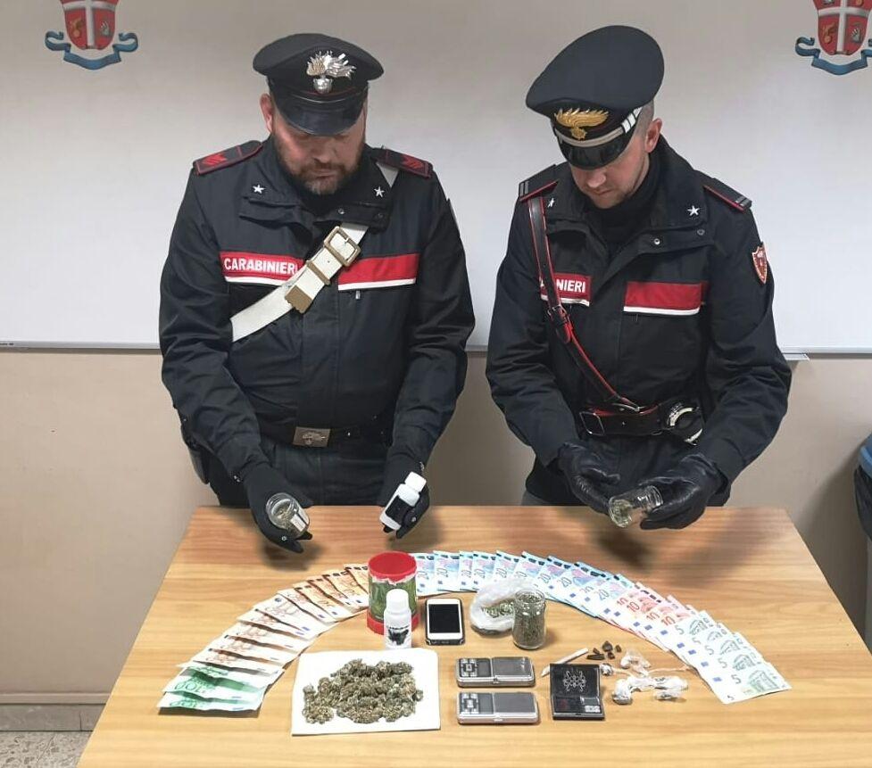 MONTALTO DORA - Spaccia droga: 21enne arrestato dai carabinieri