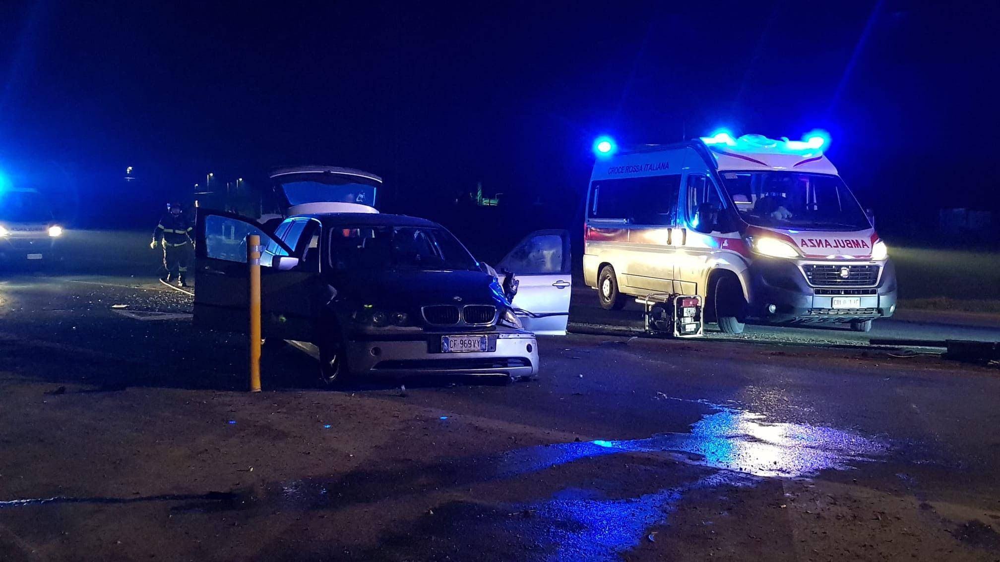OZEGNA - Incidente sulla provinciale 222, strada chiusa e due feriti - FOTO E VIDEO