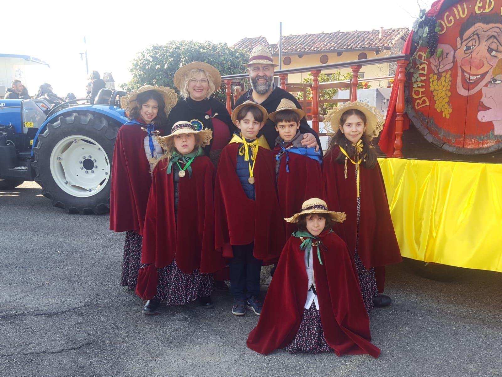 CUCEGLIO - Un'edizione tra gli applausi per il Carnevale del paese