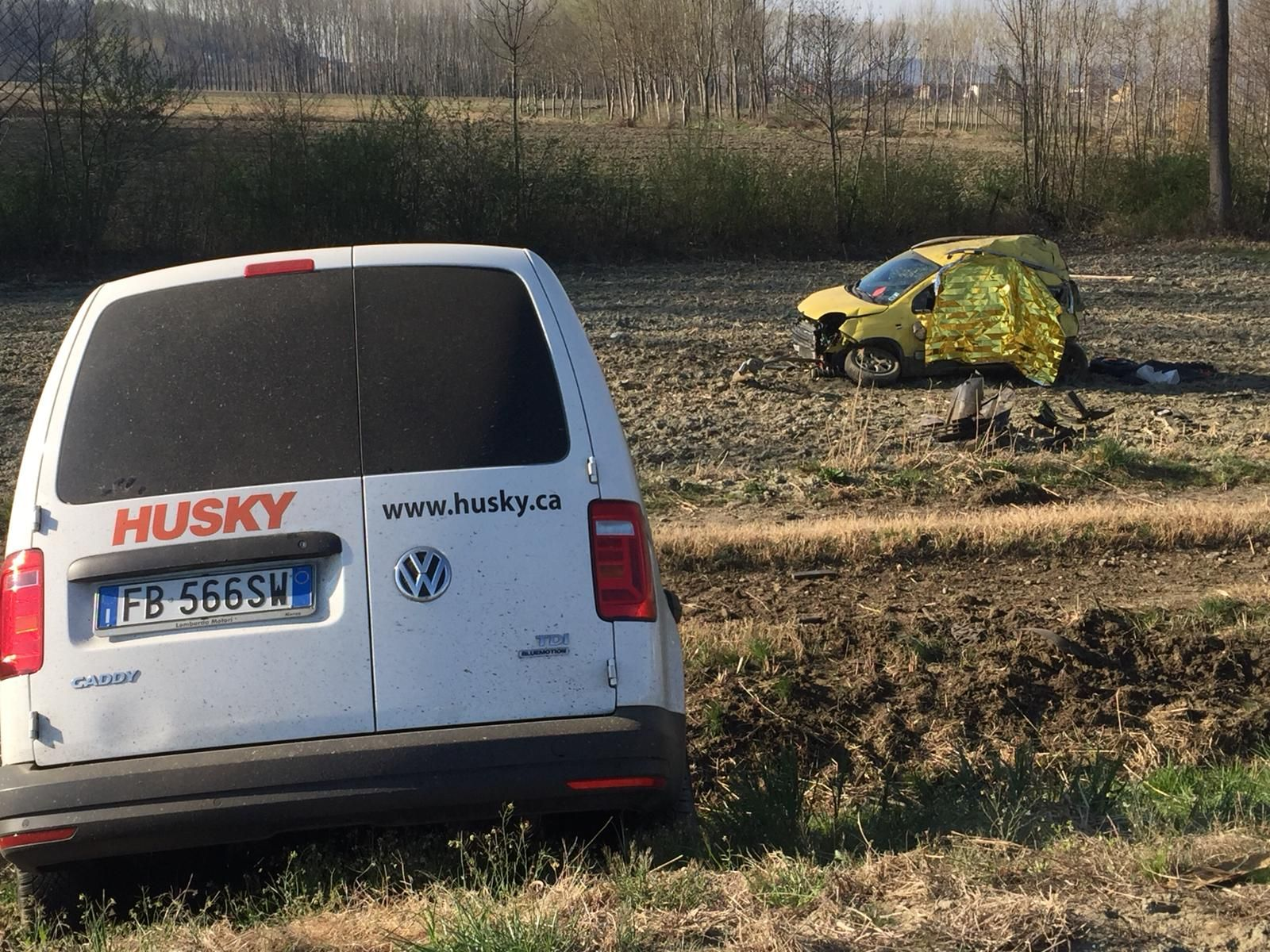 INCIDENTE SUL RACCORDO - Identificata la donna vittima dello schianto: era residente in Valchiusella - FOTO