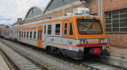 RIVAROLO - Il treno si rompe (di nuovo): 700 pendolari a piedi