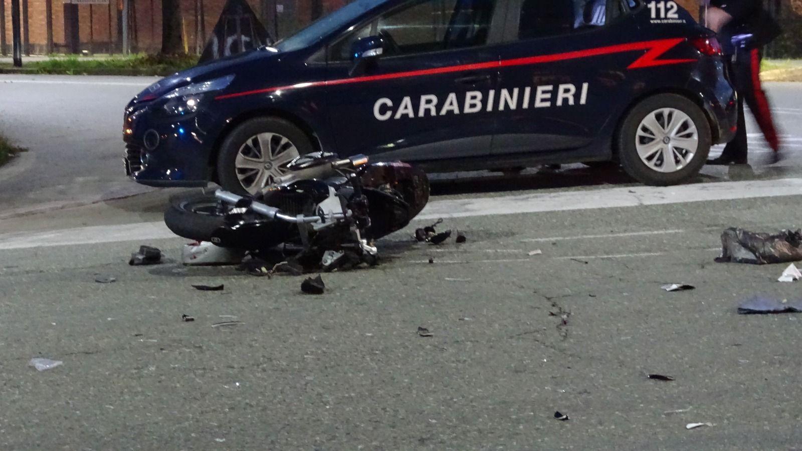 LOMBARDORE - Auto contro moto, ferito un sedicenne di Leini. Sulla vettura una donna positiva all'alcoltest - FOTO