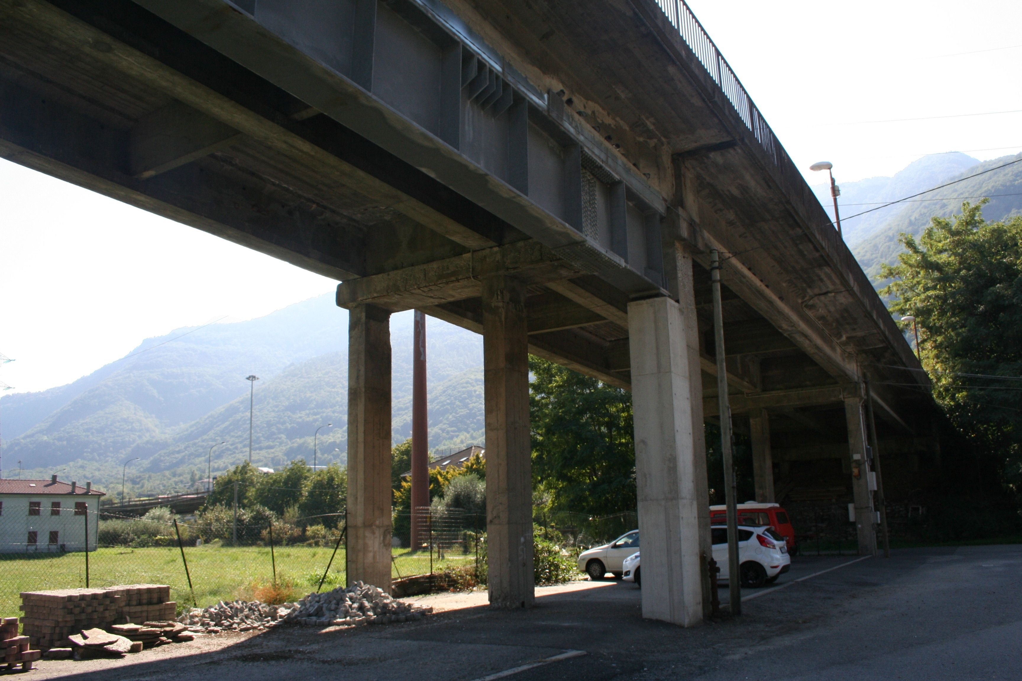 QUINCINETTO - Allarme rosso: «Il ponte sulla Dora rischia di crollare»
