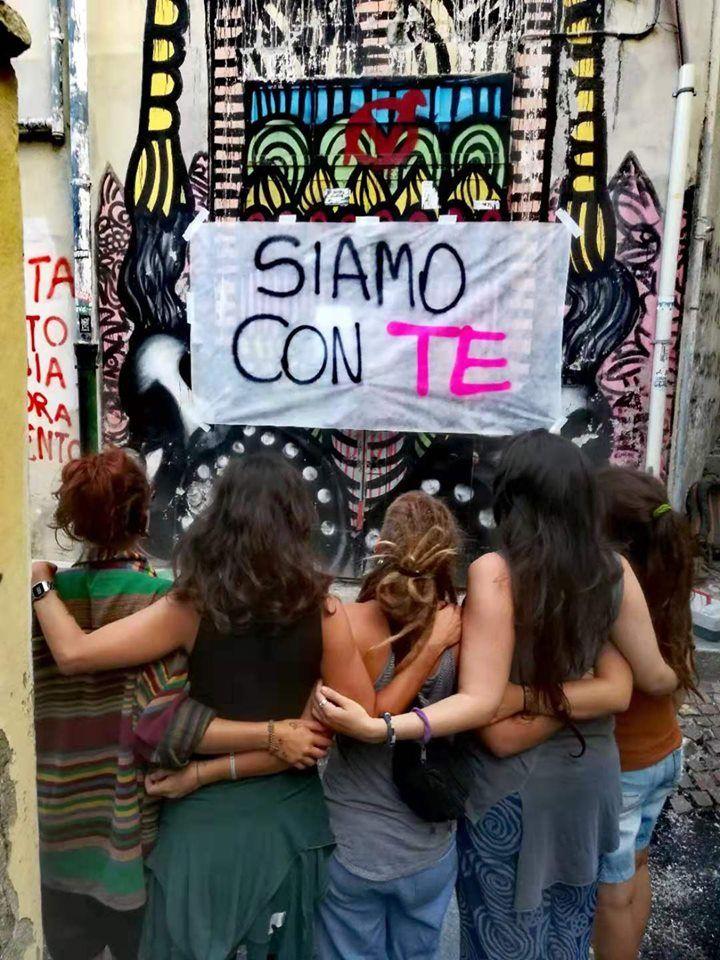 IVREA - Stupro di gruppo, il centro sociale vicino alla vittima: «Diventerai forte come la roccia, siamo dalla tua parte»