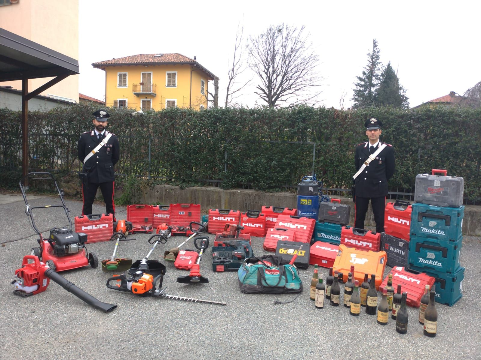 CIRIE' - 25mila euro di tagliaerba rubati in garage: 42enne nei guai