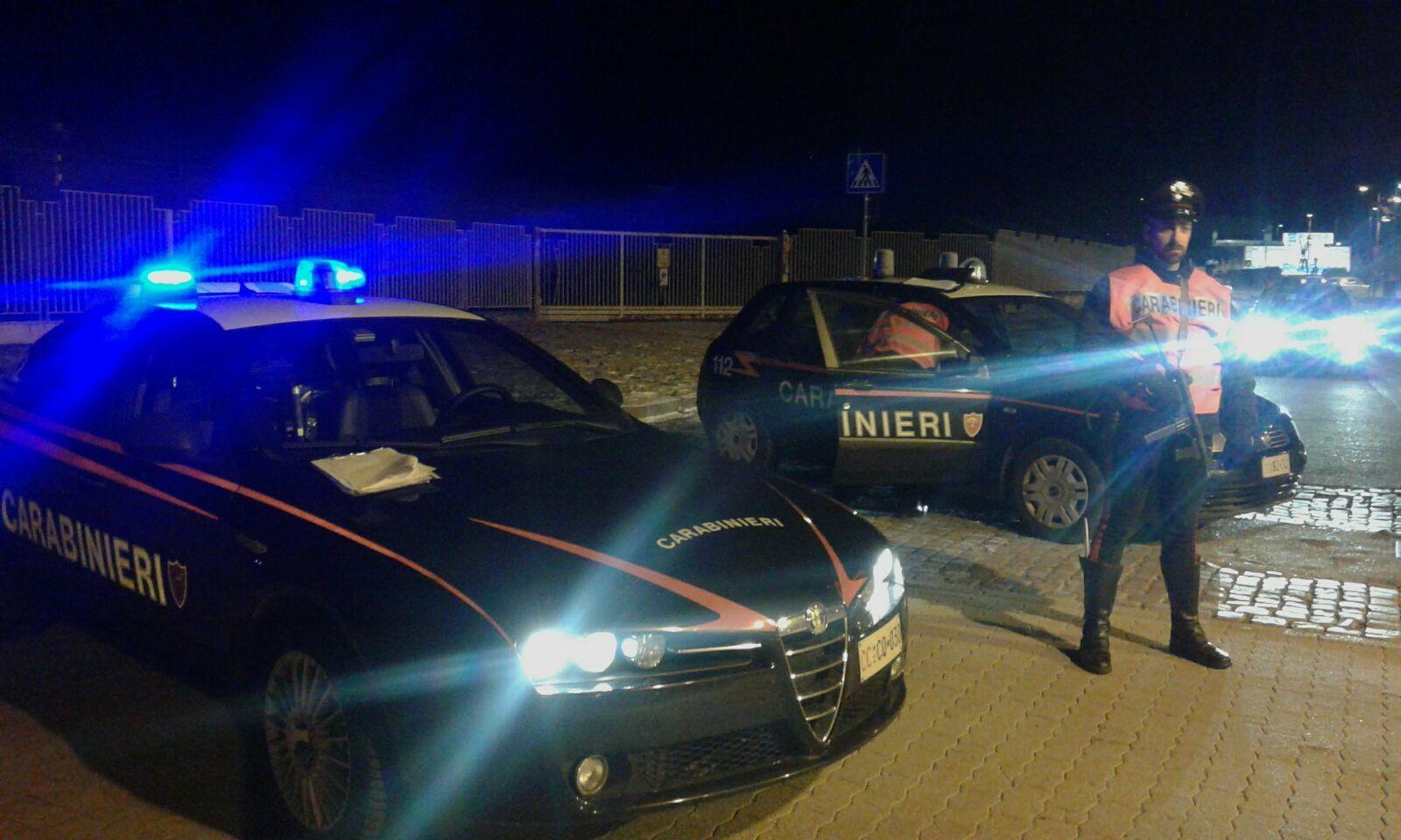 LEINI - L'officina del nonno trasformata in un centro per lo spaccio di droga: 17enne denunciato dai carabinieri