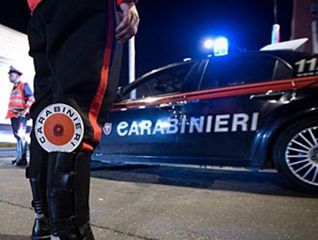 LEINI - Non si ferma all'alt dei carabinieri: inseguito e arrestato
