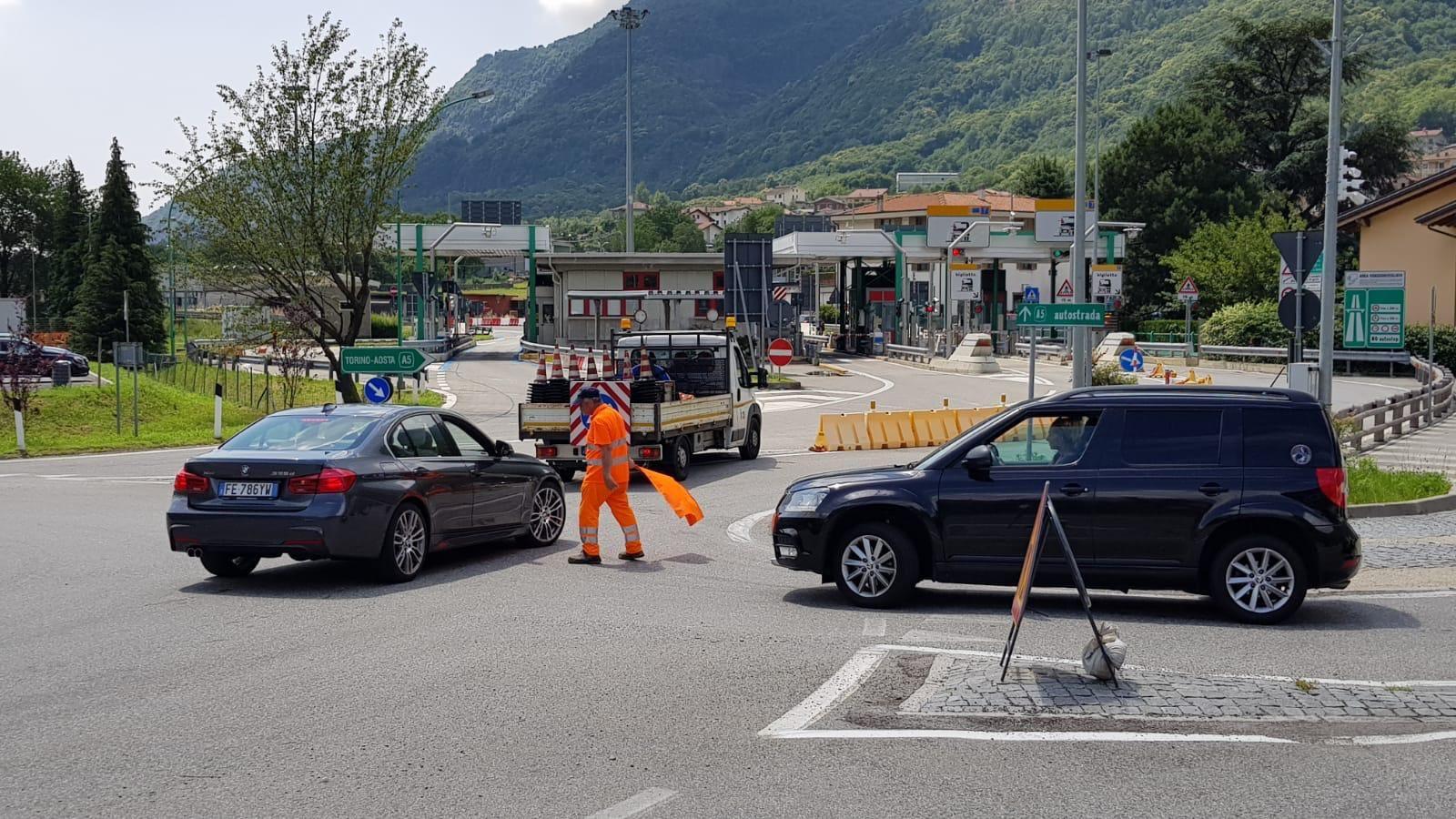 ALLARME FRANA - Autostrada Torino-Aosta chiusa e poi riaperta tra Ivrea e Pont Saint Martin