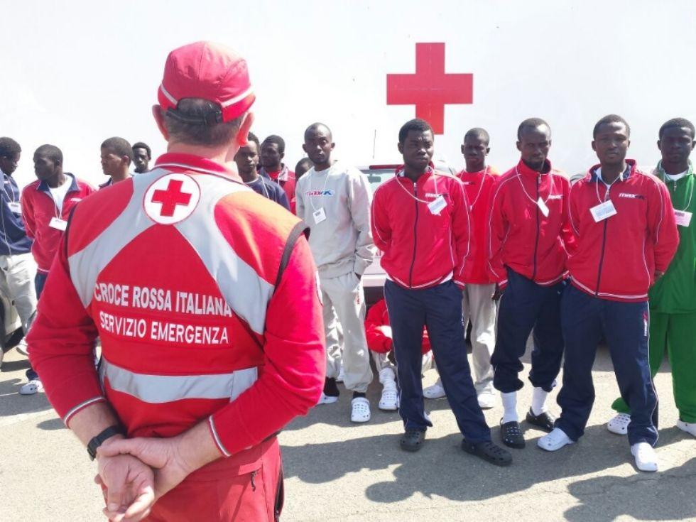 NOMAGLIO - Mancano i volontari: la statua del Santo ai profughi