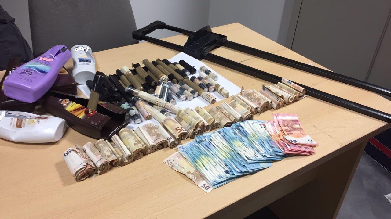 CASELLE - 900 mila euro nascosti in bagagli, cinture e shampoo - FOTO