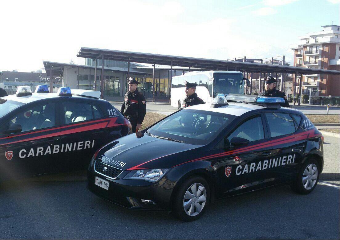 IVREA - Troppi pregiudicati: carabinieri chiudono la sala giochi