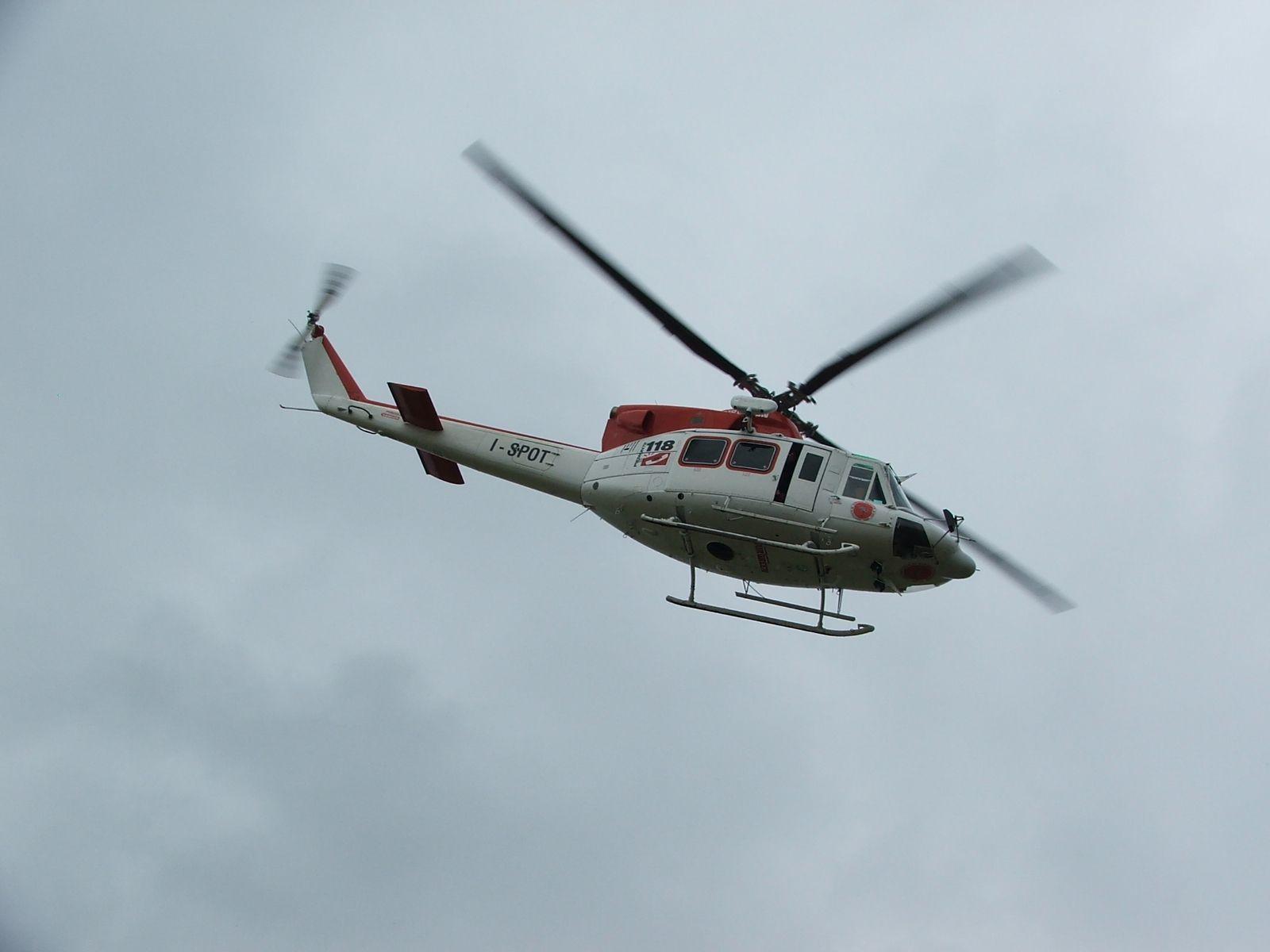 CUORGNE' - Sbaglia l'atterraggio: un parapendista ferito