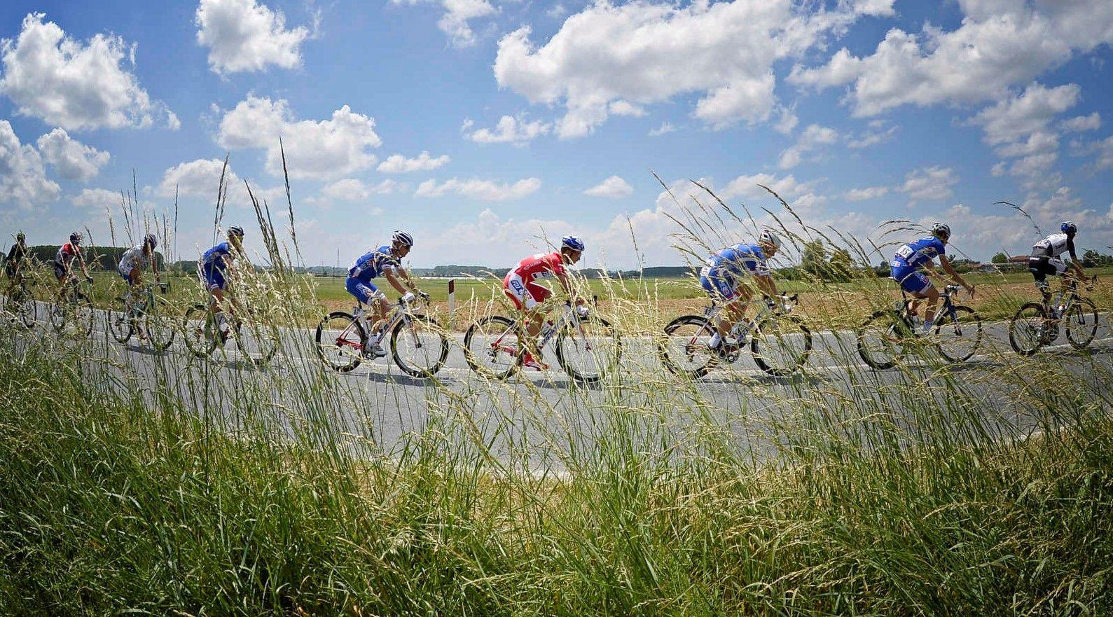 CANAVESE - Arriva il Giro d'Italia: lavori per un milione di euro sulle strade