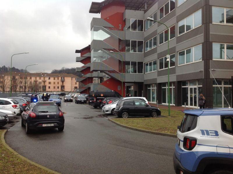 IVREA - Allarme bomba in tribunale: uffici e aule subito evacuati