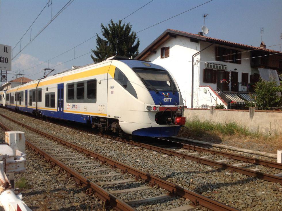 CANAVESANA - Il futuro della ferrovia? I sindaci tifano per il treno