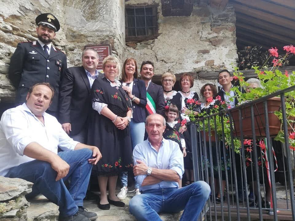 INGRIA - Taglio del nastro per l'ecomuseo e rifugio della frazione Bech - FOTO