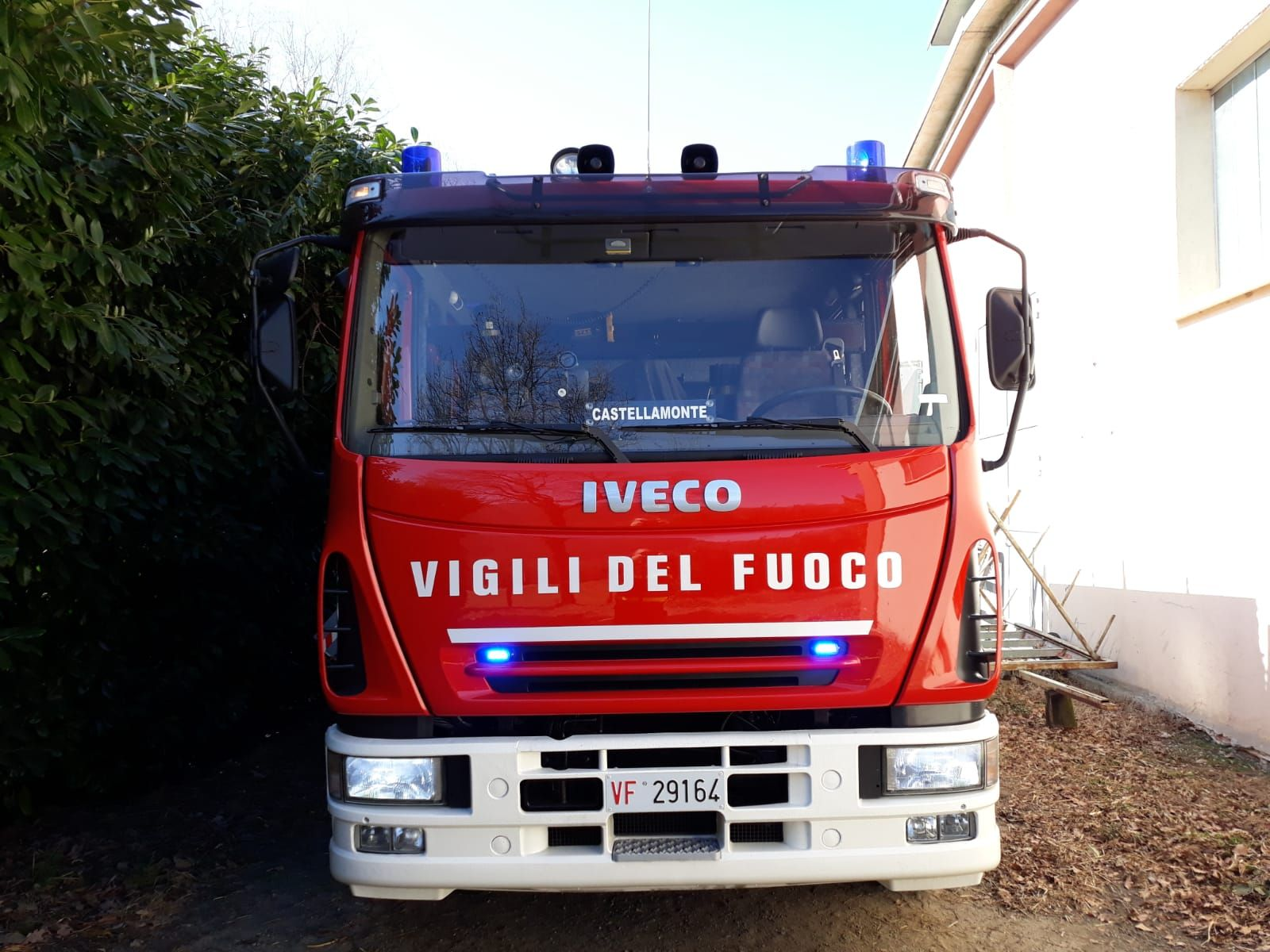 CASTELLAMONTE - Dopo quasi tre anni pompieri ancora senza caserma