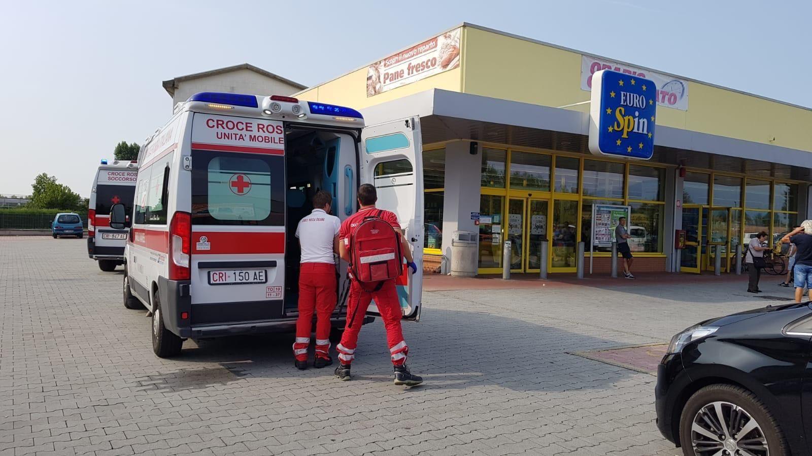 RIVAROLO - Dramma all'Eurospin, donna muore mentre fa la spesa. Il supermercato resta aperto