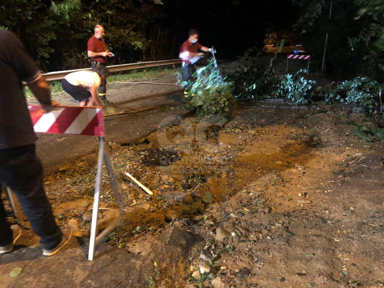 CANAVESE - Violento temporale nella zona di Cuorgnè: diversi interventi dei vigili del fuoco - FOTO