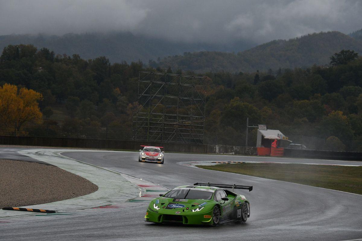 MOTORI - Lorenzo Veglia archivia la stagione nella top ten di GT3