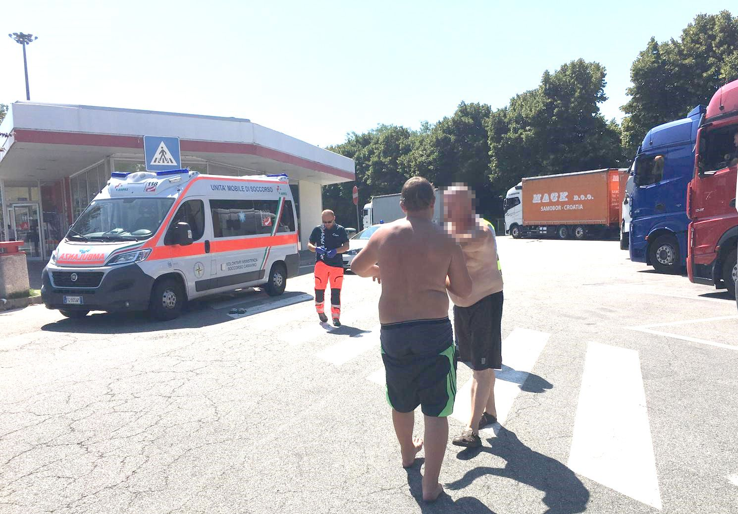 IVREA-SANTHIA' - Ubriaco all'autogrill, fermato dalla polizia