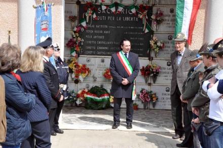 ALPETTE - Una svastica per il sindaco Silvio Varetto