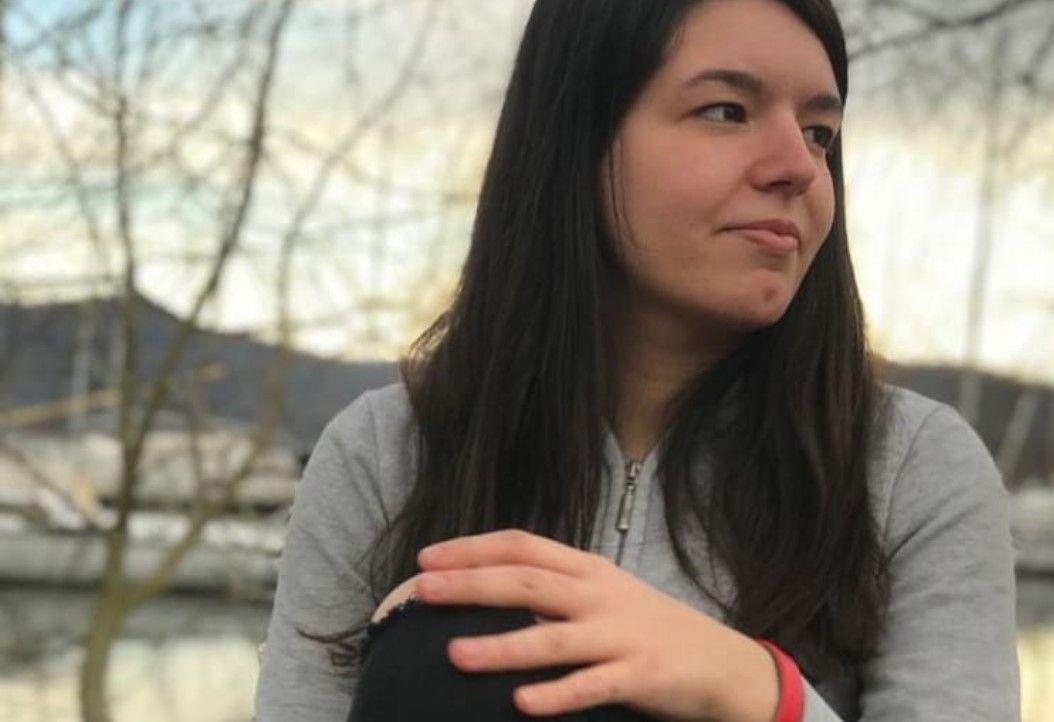 LORANZE' - Comunità sconvolta per la morte della diciottenne: «Buon viaggio cara nostra Erika. Il tuo ricordo vivrà per sempre nei nostri cuori»