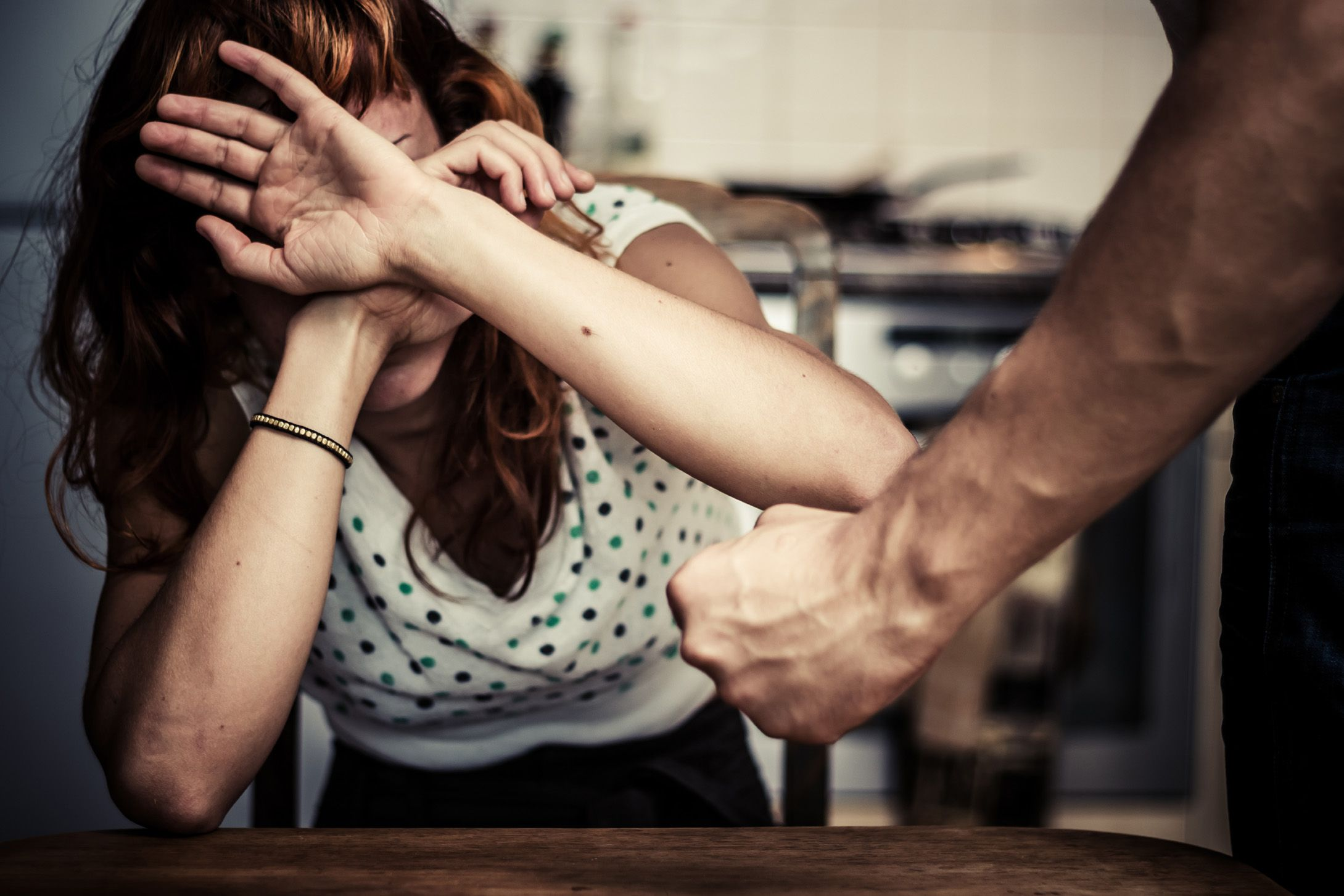 VALCHIUSELLA - Spara al fidanzato della sorella che viene maltrattata: arrestato per tentato omicidio