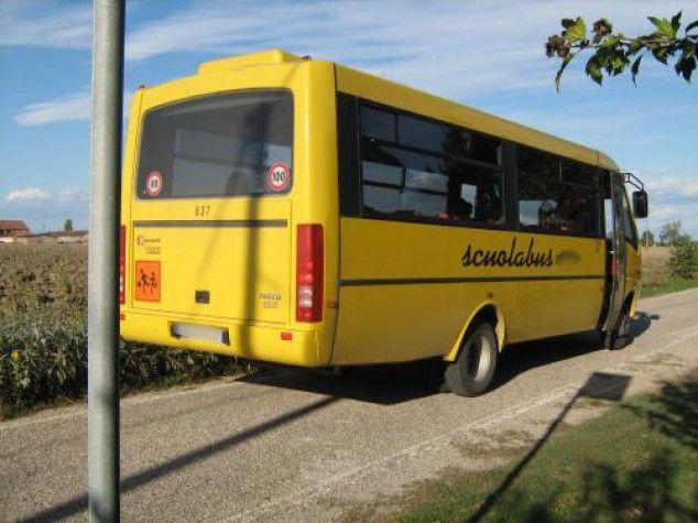 CANAVESE - Il bimbo innamorato si fa portare dallo scuolabus a casa della fidanzatina