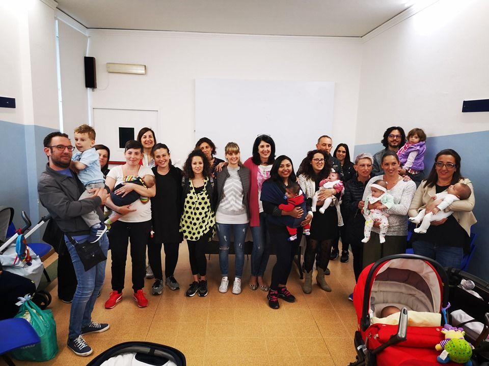 BORGARO - Nuovi nati, consegnati i «pacchi bebè» alle famiglie